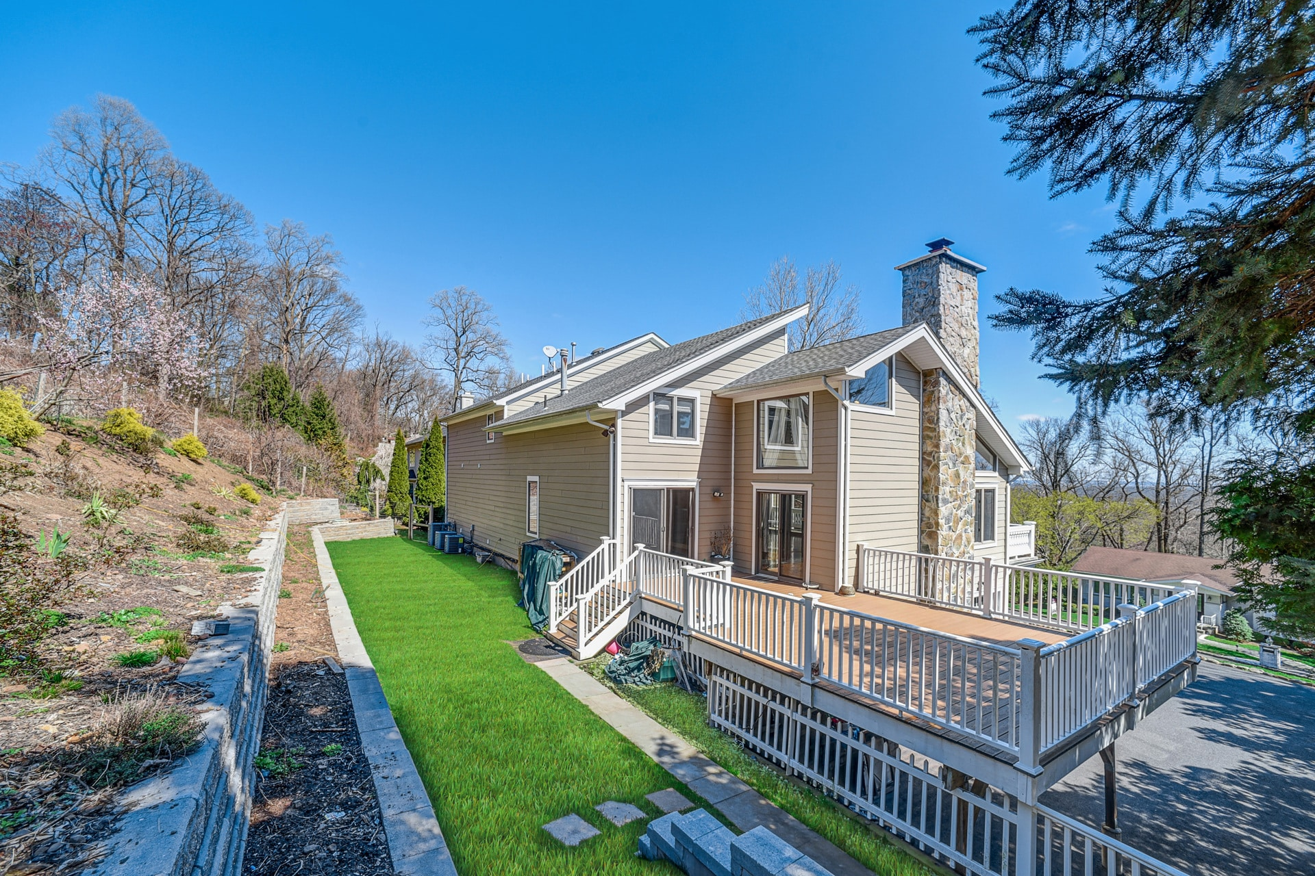 1004 Sunny Slope Dr, Mountainside Boro, NJ 07092