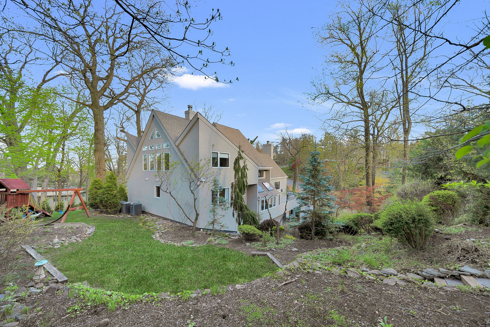 32 Glendale Rd, Summit, NJ 07901
